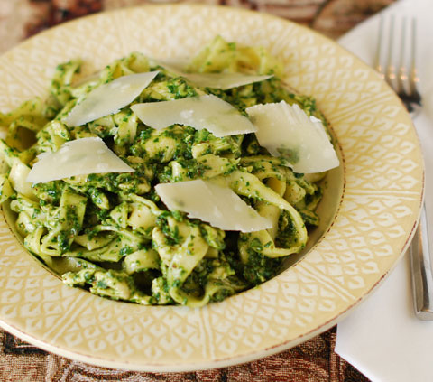 Chicken Fettuccine with Spinach Pesto
